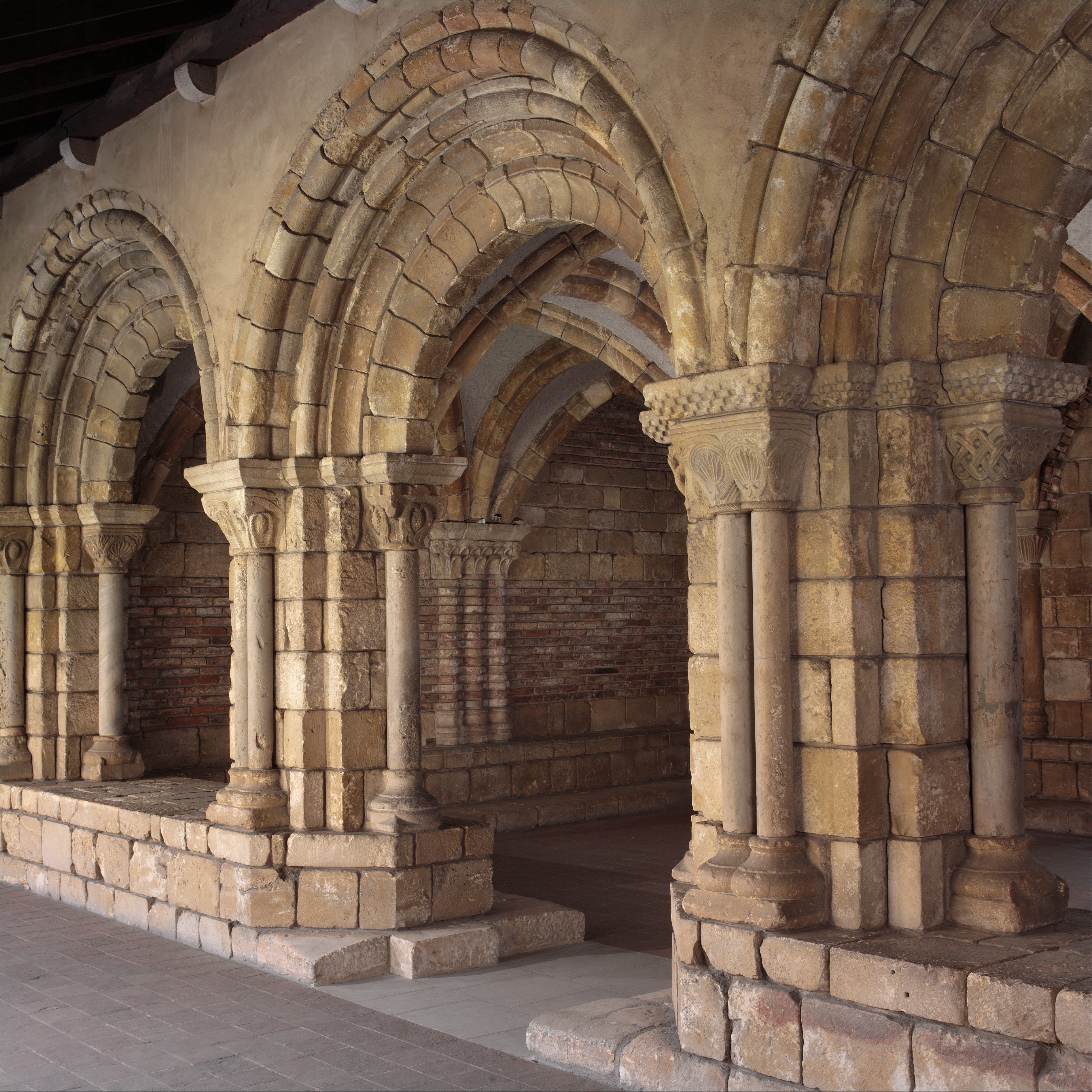 medieval monuments at the cloisters as they were and as they are