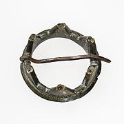 Ring Brooch