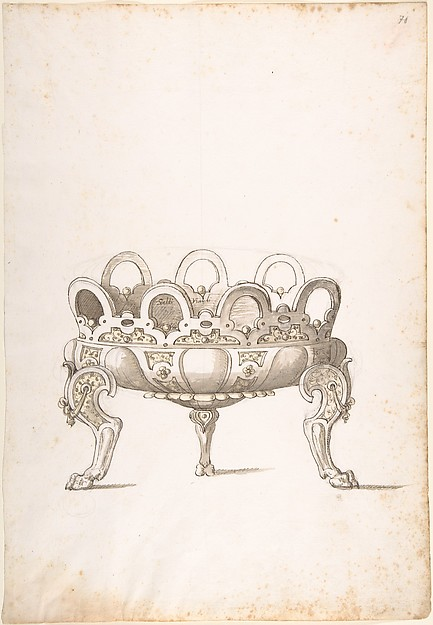 Design for Shallow Round Dish on Three Legs