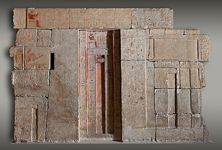 West wall of the chapel of Kaemsenu with niches for Iretnub, Kaemsenu and Werdjedptah