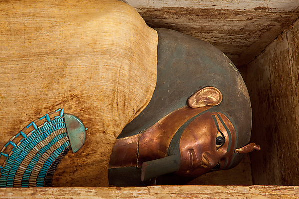 Mummy and mask of Khnumhotep