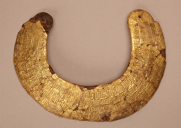 Model collar of Hapiankhtifi
