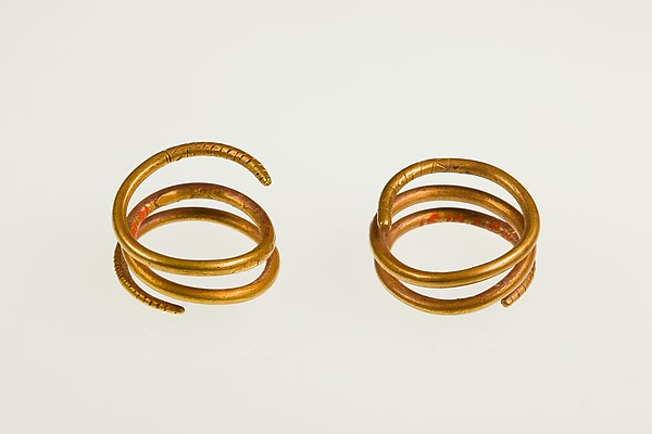 Pair of Sprial Earrings (with 16.10.467)