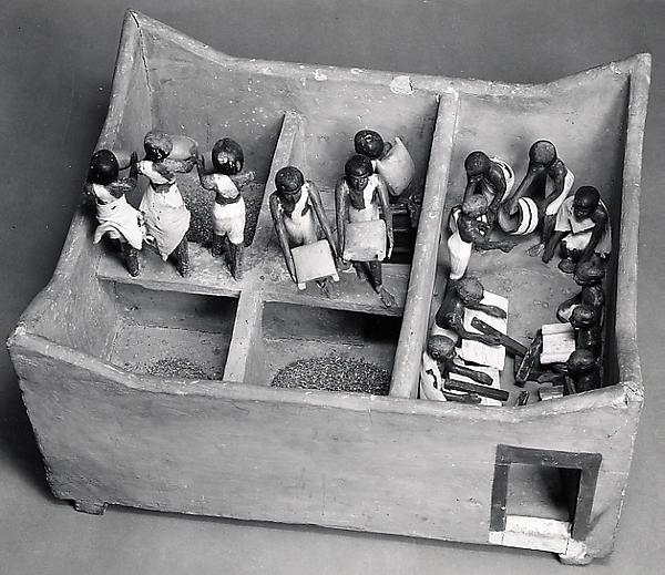 Model of a Granary with Scribes