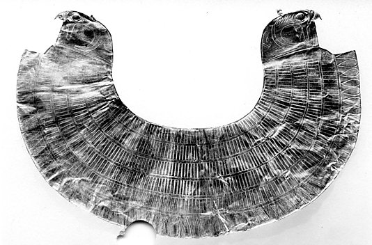Broad Collar with Falcon-Head Terminals