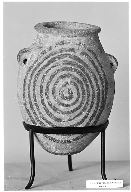 Decorated ware jar depicting spirals
