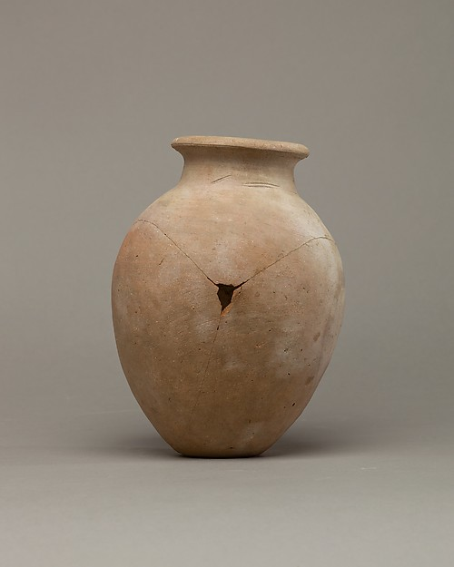High-shouldered jar of desert clay