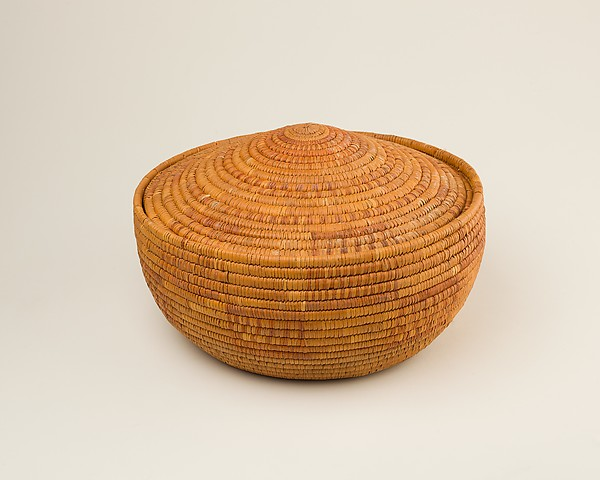 Circular Basket with Conical Lid