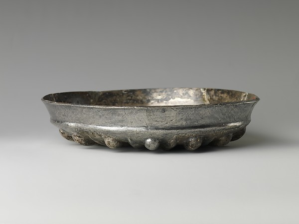 Bowl with bosses and petals