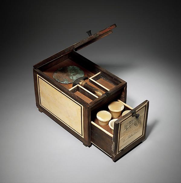 Cosmetic Box of the Royal Butler Kemeni