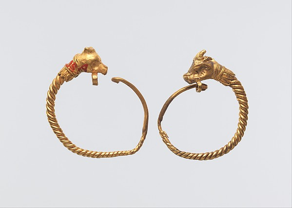 Earrings with bull head terminal