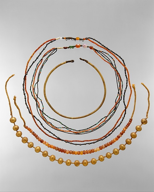 Two-strand Necklace of the Child Myt