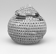 Basket with lid (contained 22.3.65c-h)