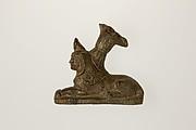 Sphinx-shaped foot of vessel