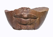 Lower part of a royal head