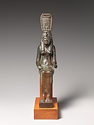 Statue of a goddess, probably Nehemetaui or Nebethetepet
