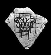 Ostracon with liliform capital
