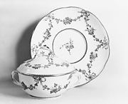 Bowl with cover (cuelle) and tray