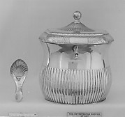 Tea caddy and spoon