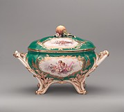 Tureen with cover (terrine du roi)