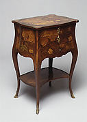 Small table (Table en chiffonière)