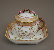 Custard cup with cover and tray