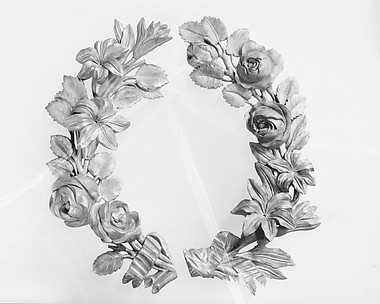 Pair of wreaths