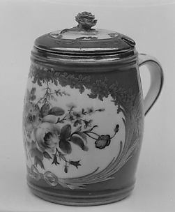 Mustard pot with cover (one of two) (part of a service)