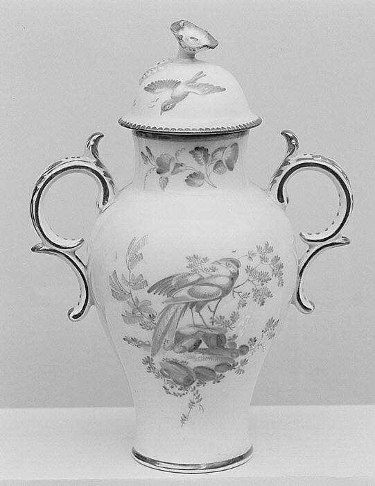 Vase with cover (part of a garniture)