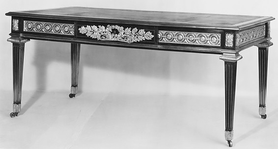 Writing table (bureau plat)