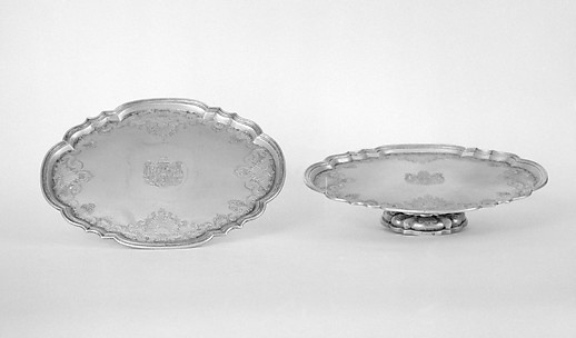 Oval salver (one of a pair)