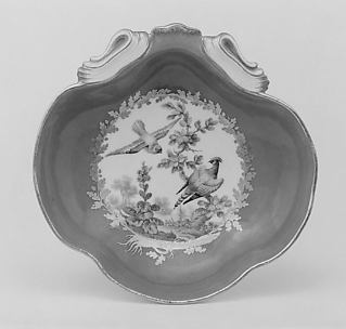 Fruit dish (compotier coquille) (one of a pair) (part of a service)