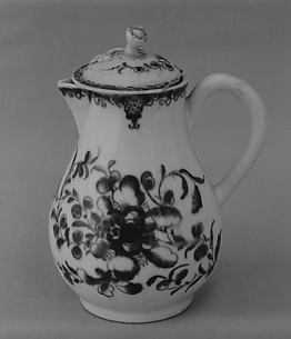 Cream jug with cover