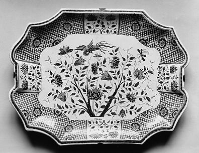 Plateau for a tureen