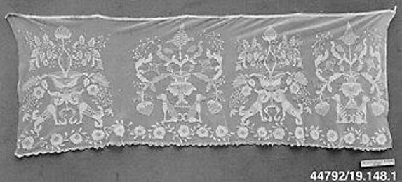 Portion of a valance