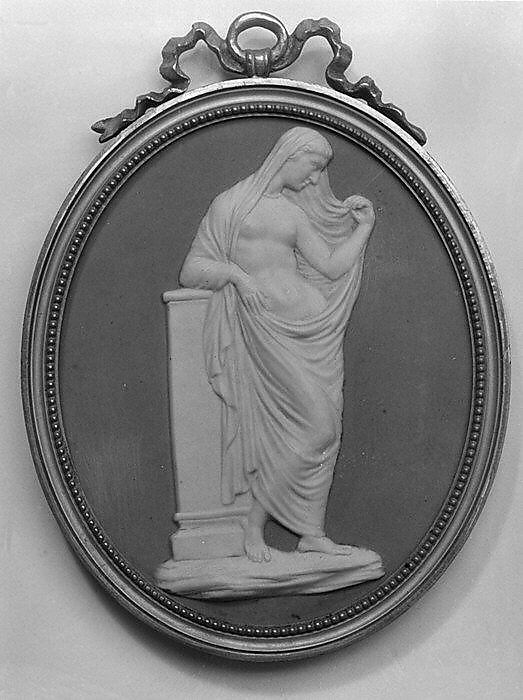 Cameo medallion