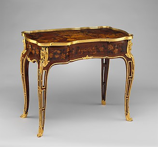 Mechanical table