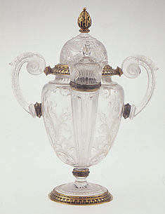Double-spouted vase with cover