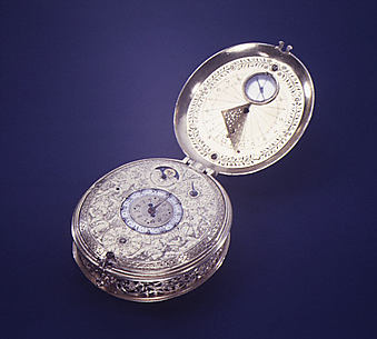Clock-watch with sundial