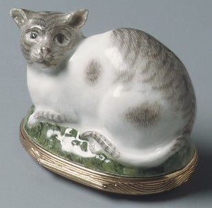 Snuffbox in the form of a cat