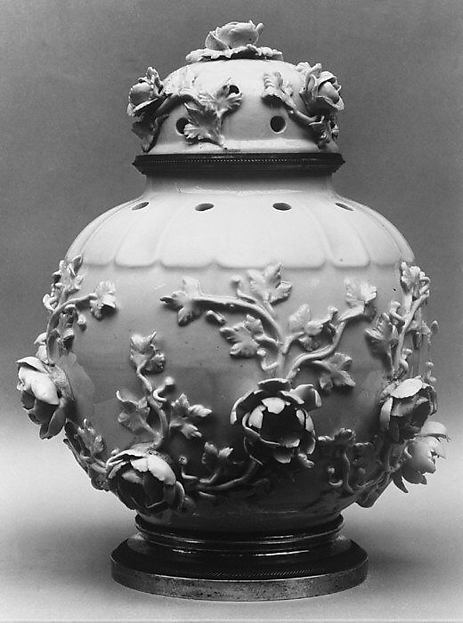 Potpourri jar with cover