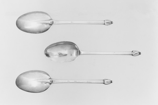 Set of three spoons