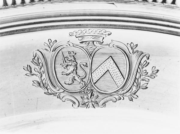 Bowl with cover (Écuelle)