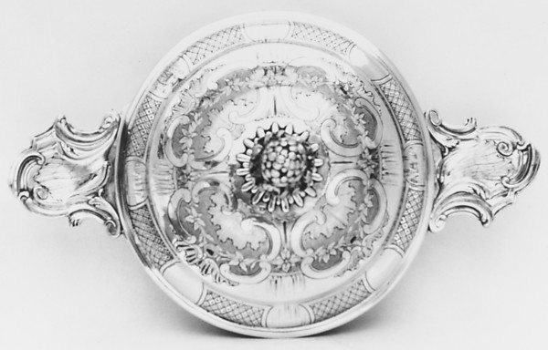 Porringer with cover (Écuelle)