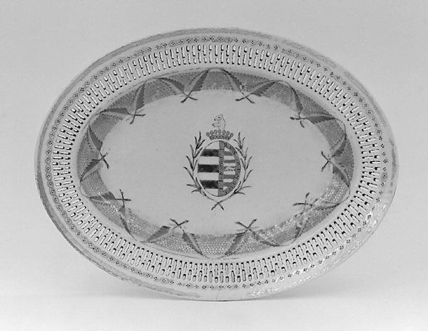 Tray for a fruit basket (part of a service)
