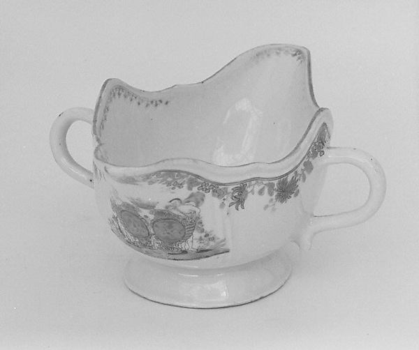 Gravy boat (part of a service)