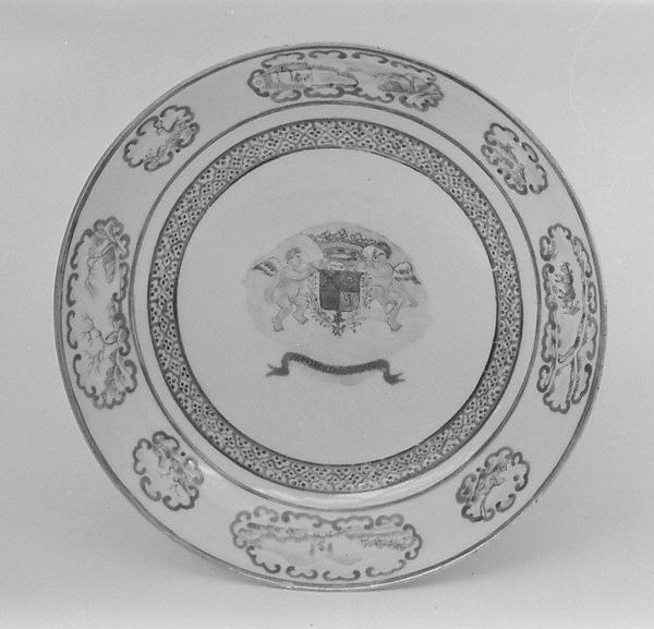 Saucer (part of a service)