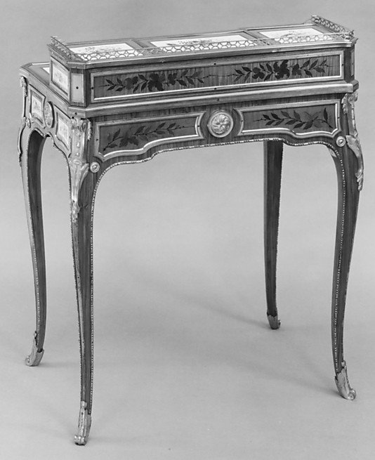 Small writing desk (Bonheur du jour) (one of a pair)
