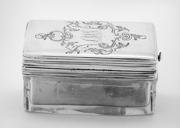 Crystal box with hinged cover (part of a set)