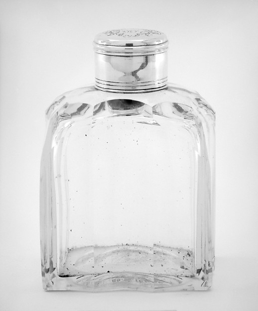 Pair of crystal bottles with cover and stopper (part of a set)